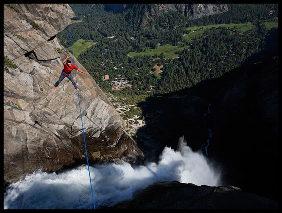 Jimmy Chin highlining yosemite