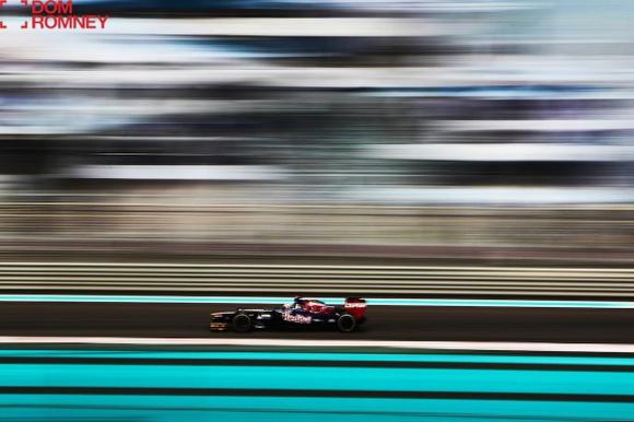 Motorsports-photographer-Dom-Romney032-590x393