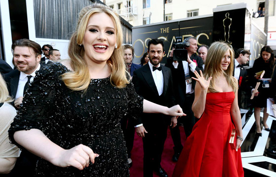 Oscars 2013 - Adele & Jennifer Aniston
