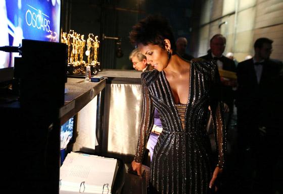 Oscars 2013 - Halle Berry
