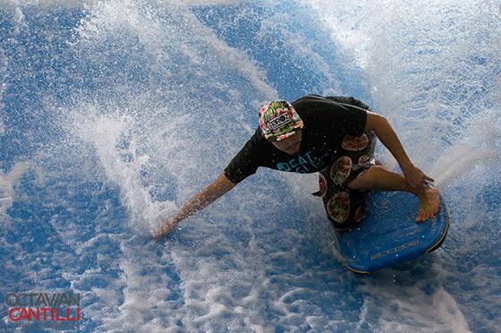 FlowRider Surf Action