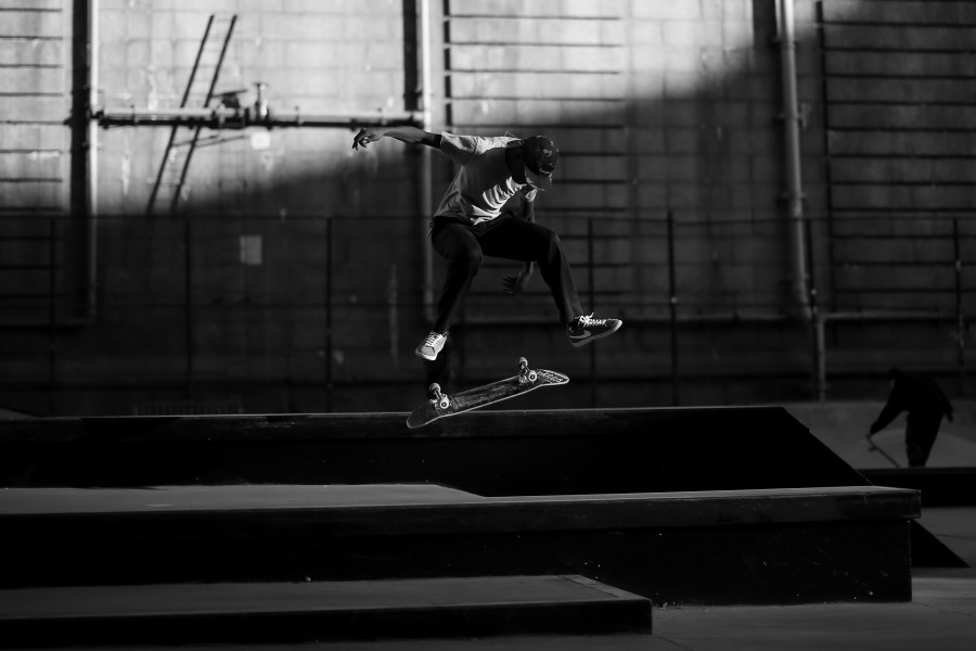 LES skateboarding