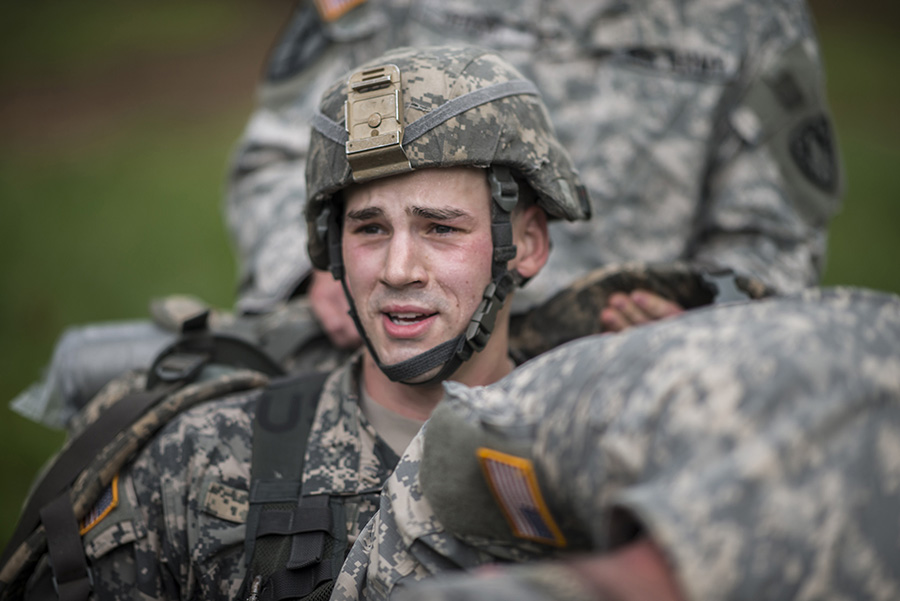 Army Guard Soldiers Participate in Region One Best Warrior Competition